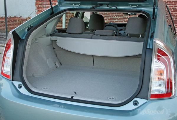 15 Prius Trunk Area