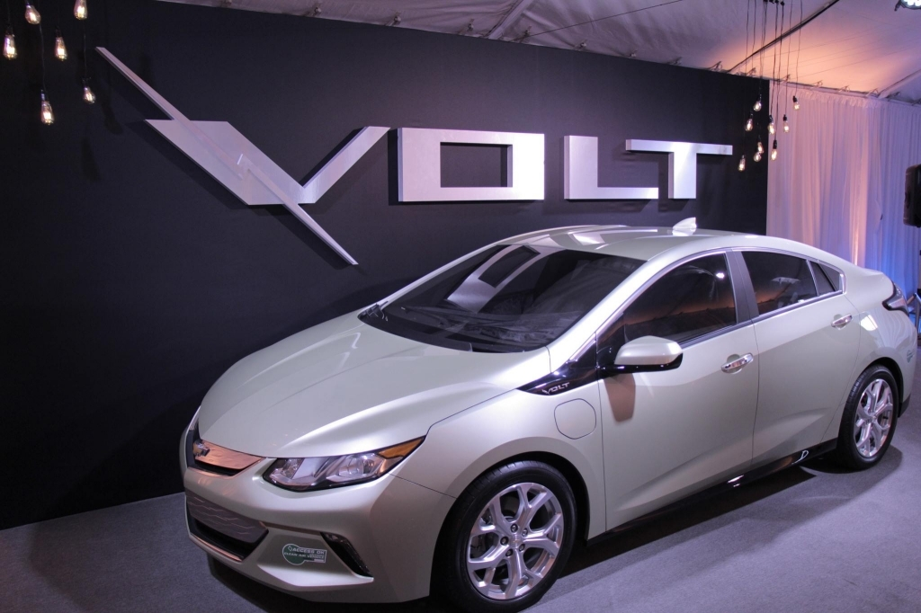 2019 Chevy Volt Takes